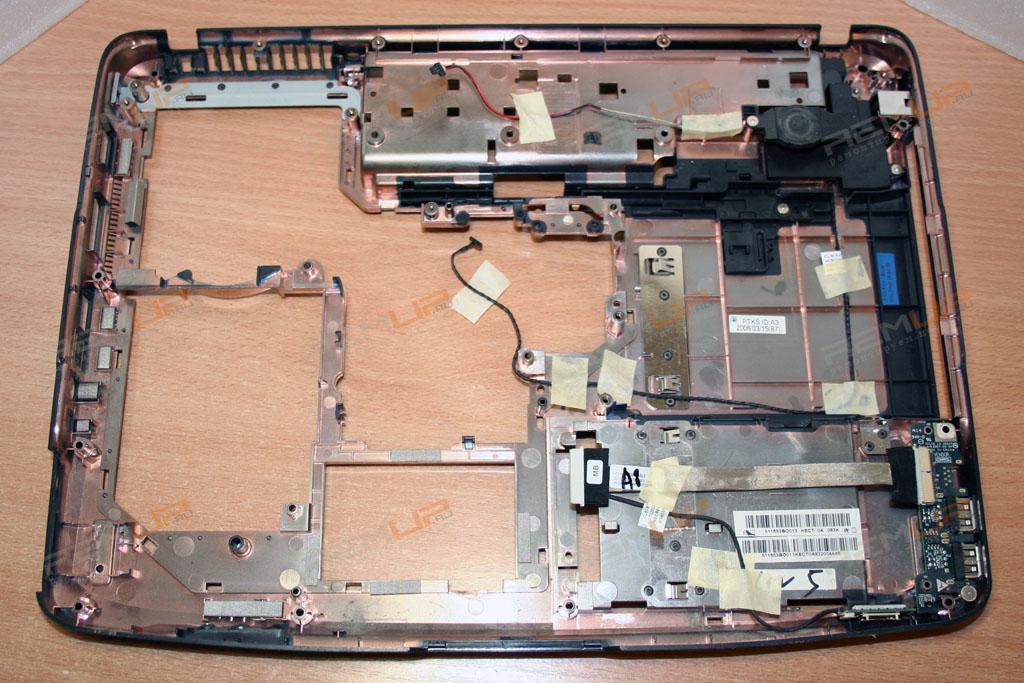 Осталось только собрать ноутбук в обратном порядке.  На этом всю разборку можно смело считать законченной.